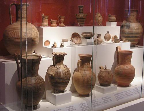 Geometrica ceramica de la necropolis de Dypilon Museo Arqueologico Nacional de Atenas Grecia 177