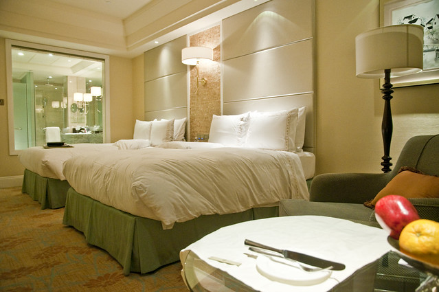 Fairmont Gold Twin Bedroom