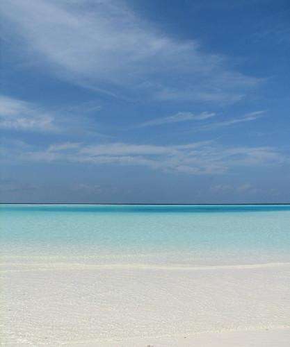 ocean beach clouds horizon maldives filitheyo hamzaisland filitheyoislandresort