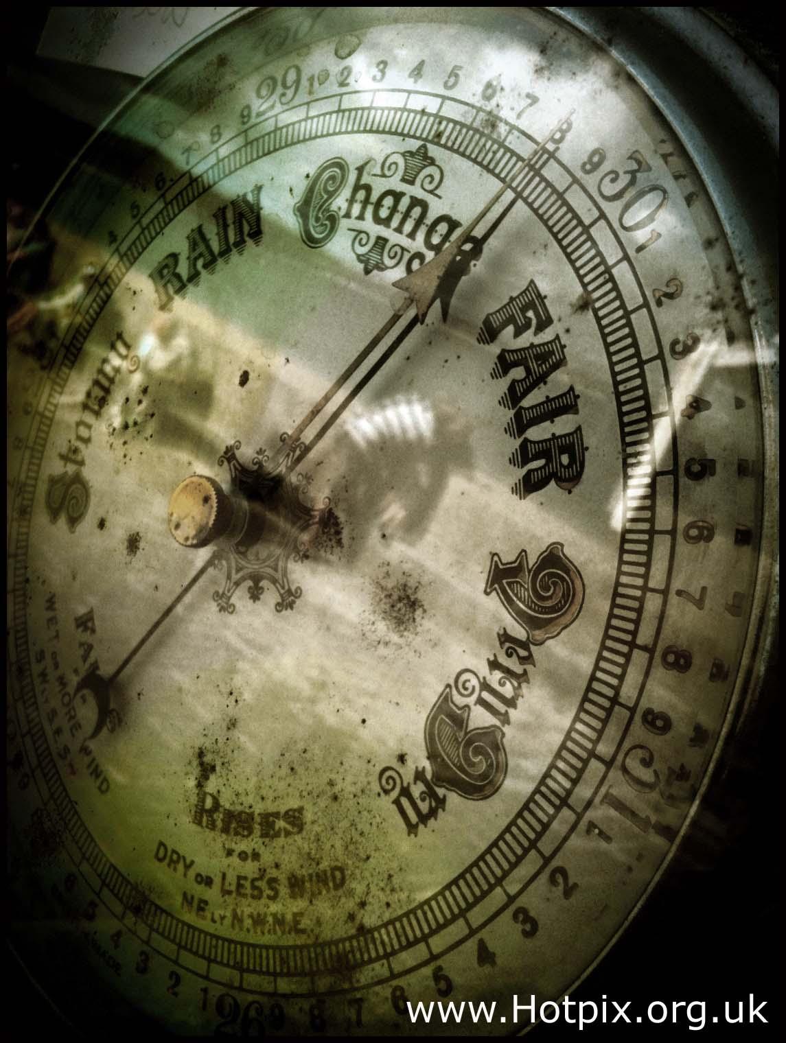 bbc,weather,uk,rain,gale,snow,pub quiz,sepia,selective,colour,b/w,black,white,tonysmith,hotpix,tony,smith,air,pressure,barometer,instrument,temperature,HDR,aneroid