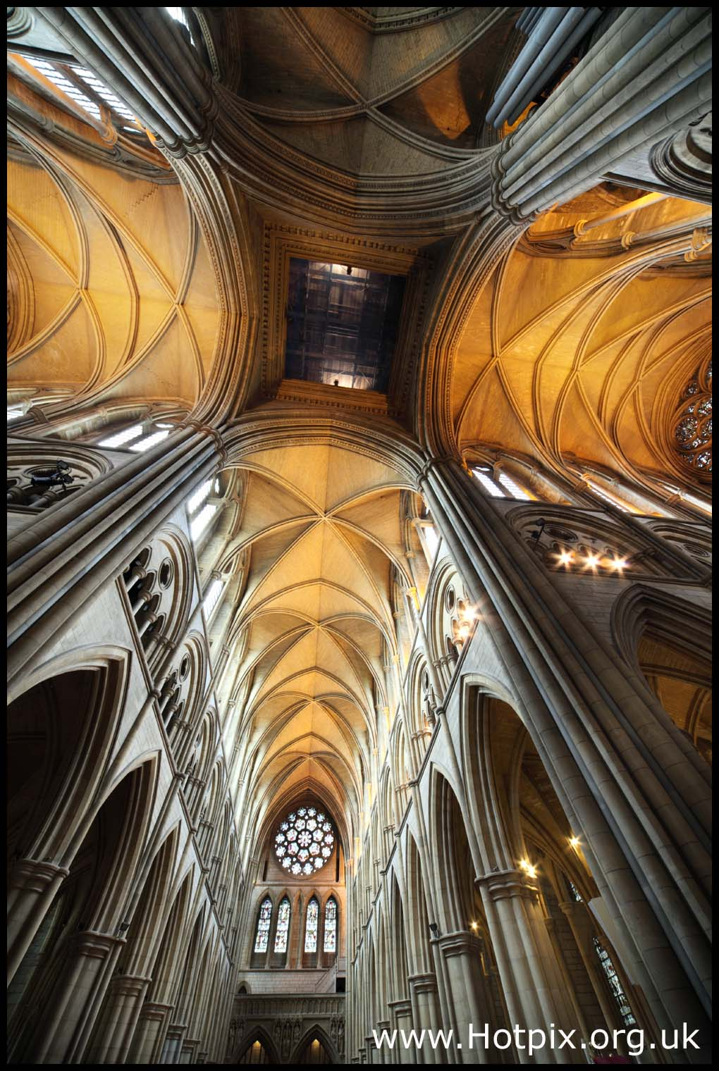 church,religion,building,architechure,england,wide,angle,hdr,inside,large,buildings,big,12mm,sigma,lens,tonysmith,hotpix,tony,smith