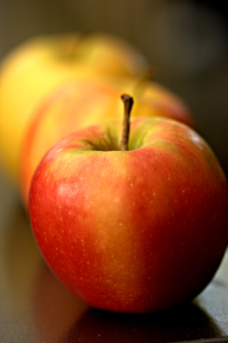 Apple Bokeh | by F0t0Synth