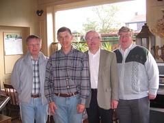 Dr HW, Guido, RO a DML yn y bar, Elckerlyck Inn, Rollegem