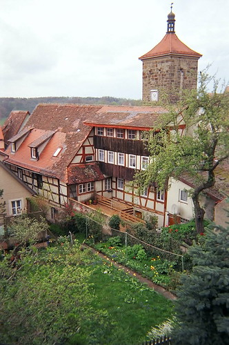 Rothenburg Backyard Garden... Click for larger image