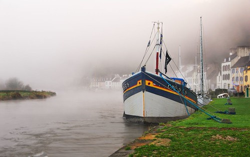 Foggy Morning in Port Launay by David Giral | davidgiralphoto.com