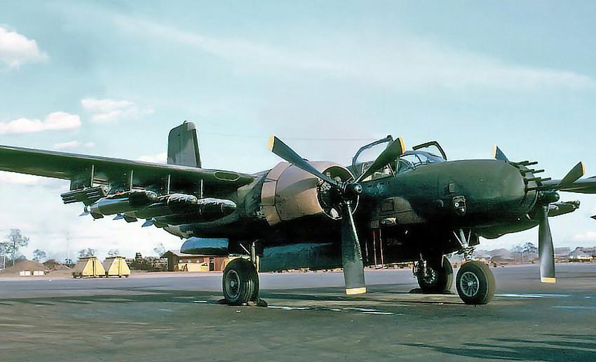 Résultats de recherche d'images pour «B-26 Invader in Vietnam»