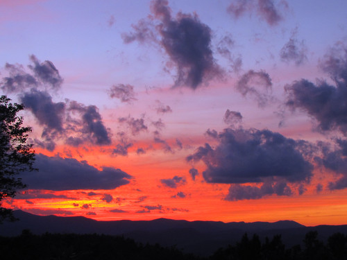 blue sunset red orange cloud yellow purple northcarolina blueridgeparkway appalachianmountains westernnorthcarolina southernappalachians ccbyncsa canonpowershotsx10is