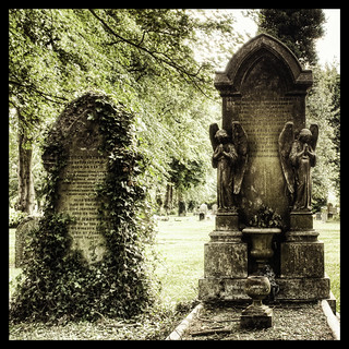 Kingston Cemetery Tombstones | by Hexagoneye Photography