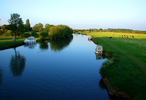 Lechlade - The River Thames from Halfpenny Bridge | by jennicatpink