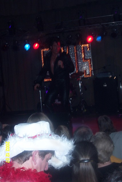 Young_Elvis_main_stage_3