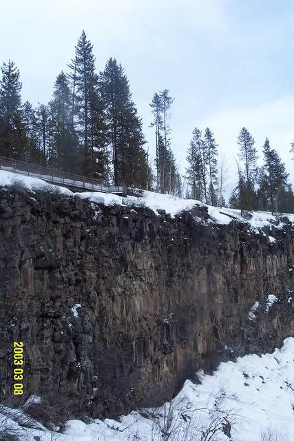 WaterFall_Ice_sheer_cliff_3