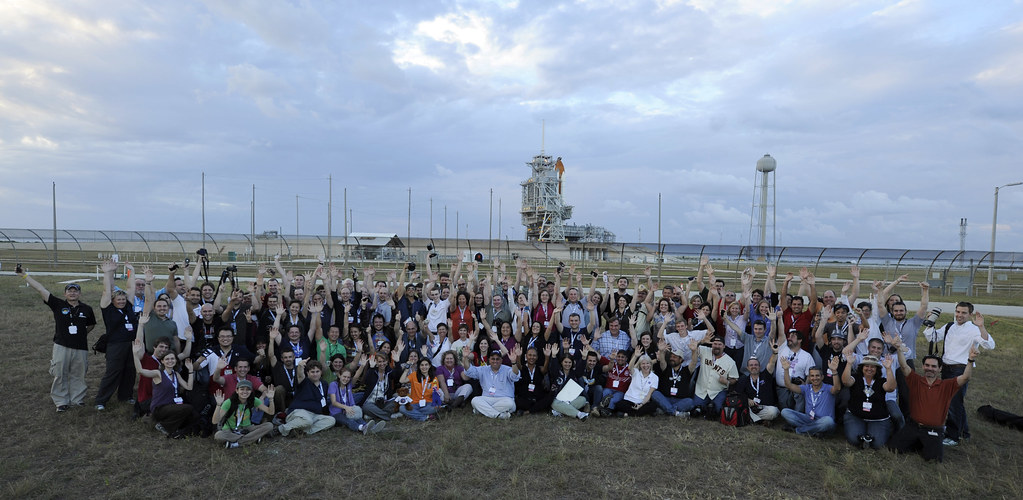 STS-133 Lauch Tweetups at the Pad (201011020003HQ)