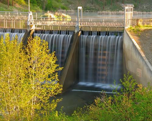 morning water river geotagged waterfall washington spring northwest dam pacificnorthwest fallingwater goldenhour kettlefalls colvilleriver meyersfalls meyersfallsdam motiion