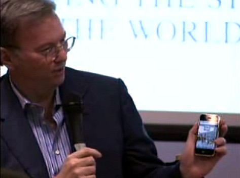 Eric Schmidt with iPhone | by minghan