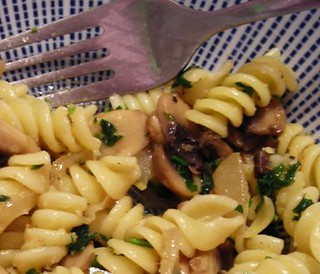 mushrooms with caramelized onions pasta