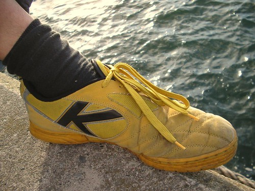 The return of the yellow shoes