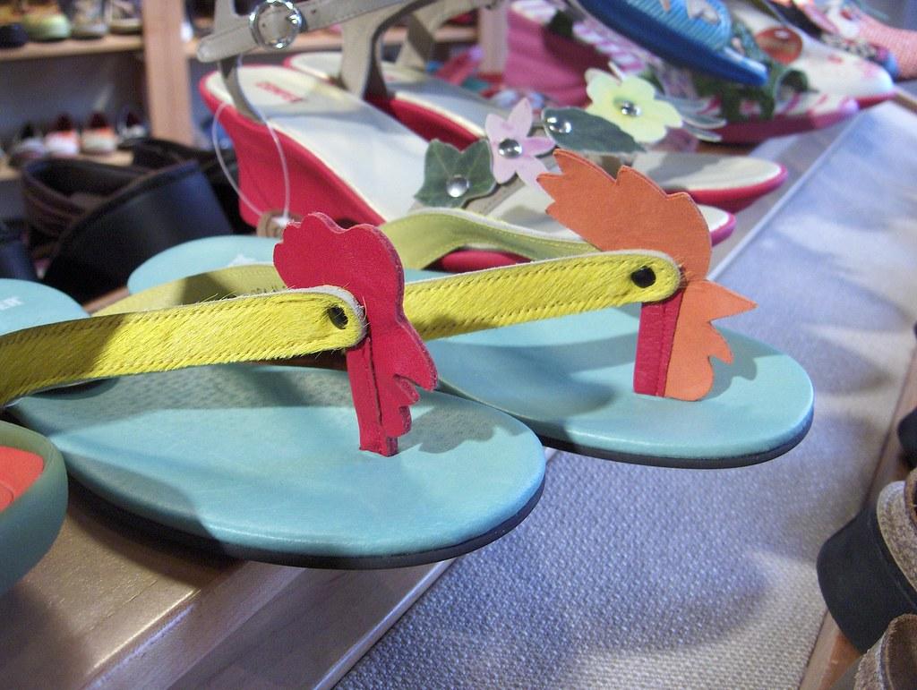 e86430e55f4b ... Chicken Flip-Flops