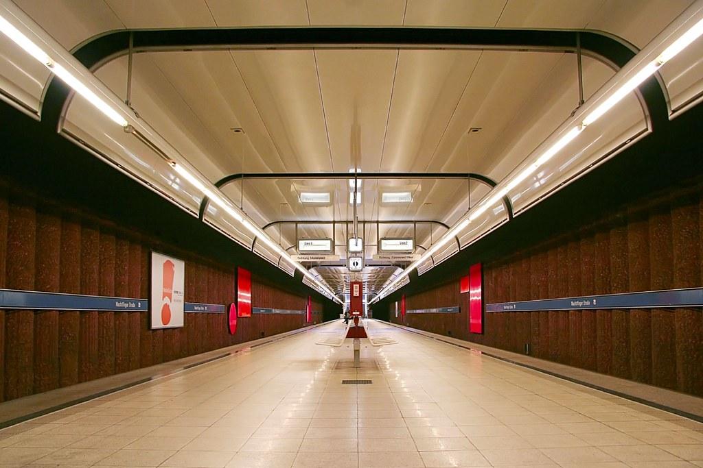 Machtlfinger Straße | Munich subway station Machtlfinger