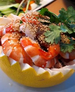 shrimp with pink grapefruit