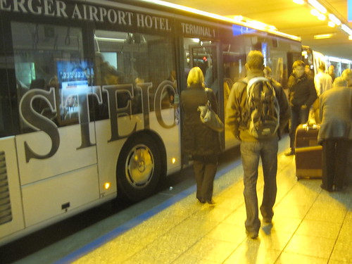 Run Start: Steigenberger Airport Hotel Bus | by Wayan Vota