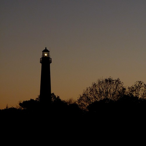 autumn sunset lighthouse silhouette newjersey dusk nj capemaypoint capemay capemaylighthouse capemaypointstatepark