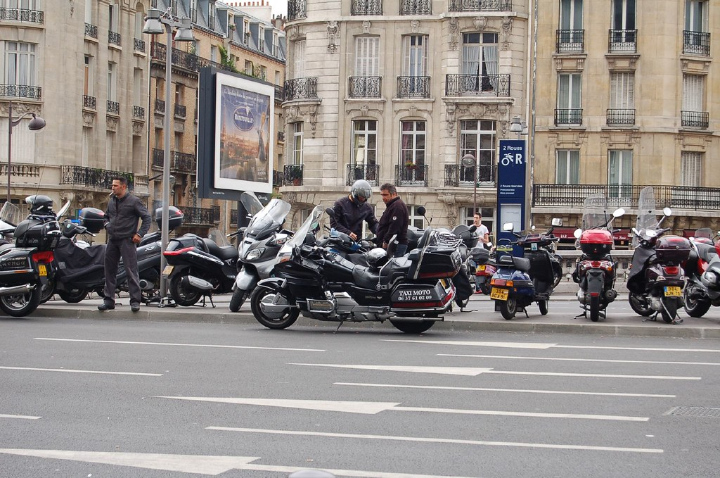 A Honda Goldwing taxi in Paris outside of Gare de Lyon | Flickr