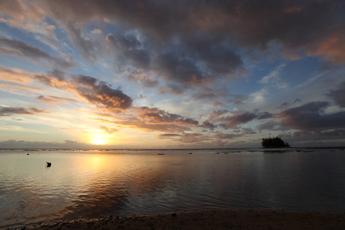 Sunset in Moorea, French Polynesia | by jonrawlinson