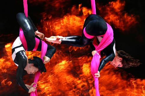 fire prettygirls kingrichardsfaire aerialangels aerialists highflyingartistry spandexbullwhips
