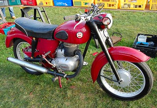 JAMES CAPTAIN. 197cc SINGLE TWO STROKE. | by ronsaunders47