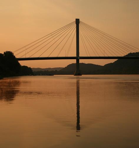 morning sunrise ohioriverriverportsmouthohioohiokentuckygrantbridge