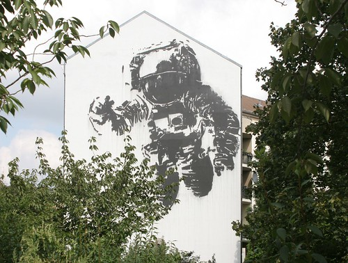 Astronaut | by mitue
