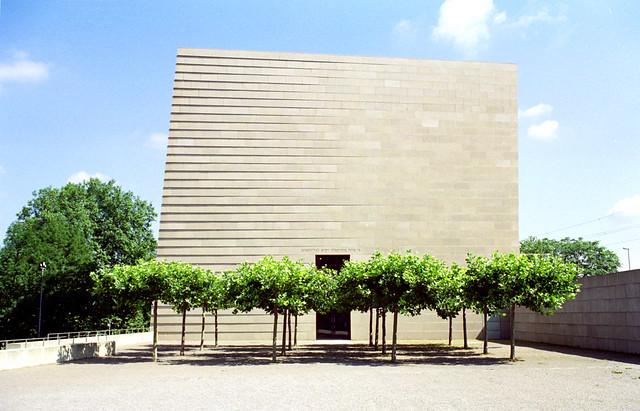 new dresden synagogue - exterior 1