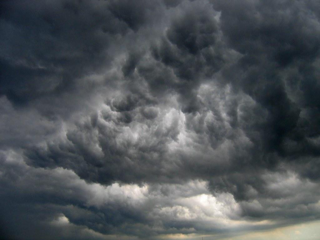 Resultado de imagen para nube negra