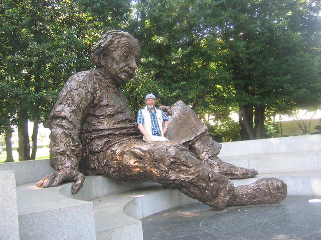 014_Pops_and_Einstein