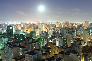 Lua em São Paulo | by Luiz Henrique Assunção