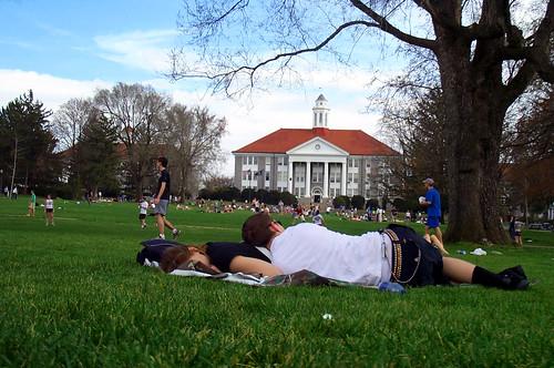 school sleeping people cute college grass campus landscape virginia spring university nap lawn adorable quad va printemps jmu harrisonburg jamesmadisonuniversity niceday wilsonhall godukes harrisonburgcity