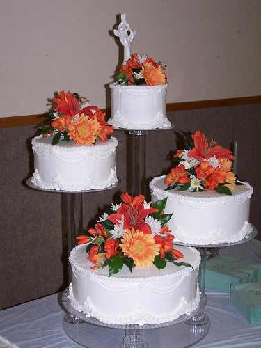 12 Wedding-Cake---Floating-Stand | by sistersweetscakes