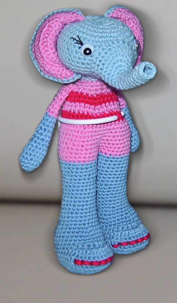 Esther the Elephant Free Amigurumi Pattern | Jess Huff | 1024x599