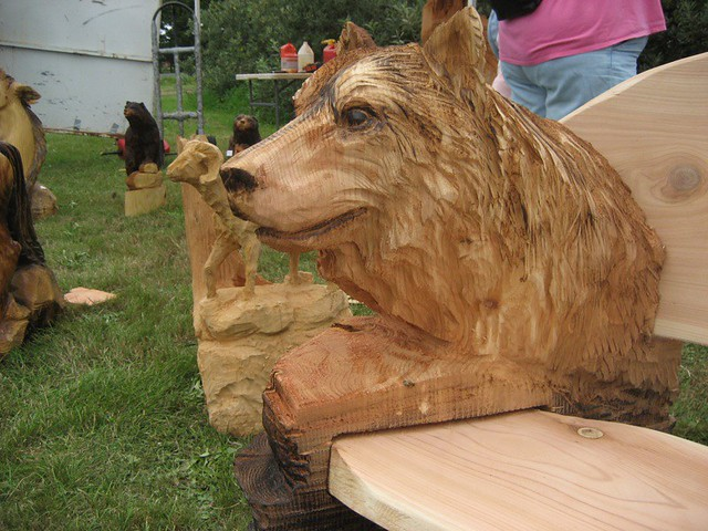Wolf bench chainsaw carving in tokeland terry ziniewicz flickr