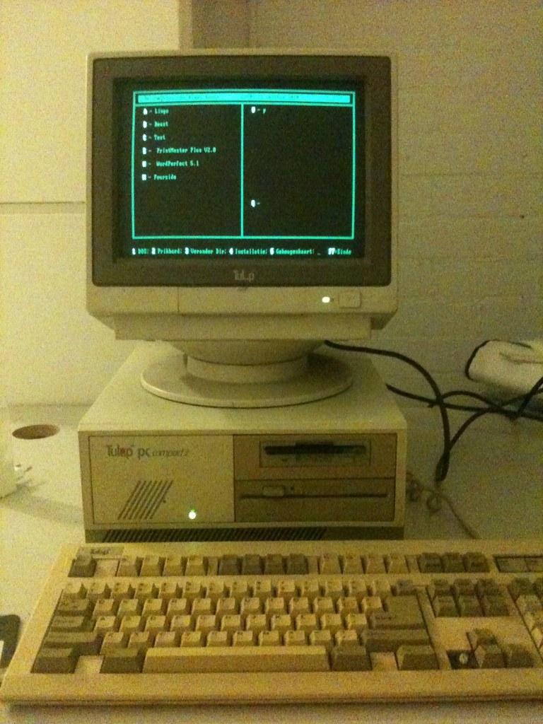 About >> It's alive! De Tulip PC Compact 2 (22 jaar oud) is gereani…   Flickr