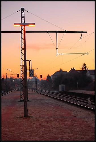 station sunrise geotagged nikon gimp railway bahnhof nikond70s explore deutschebahn darmstadt hdr waytowork 2007 3xp 3exposures pfstmo qpfstmo psftools qtpfsgui darmstadtnord geo:lat=49892288 geo:lon=8655188