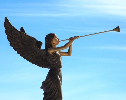 cemetery statue angel d50 brass flowrbx wyuka wyukacemetery wyukacemeterypark thesunlovesher sodothebirds