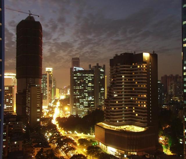 Guangzhou, Huanshi Dong Lu at dusk