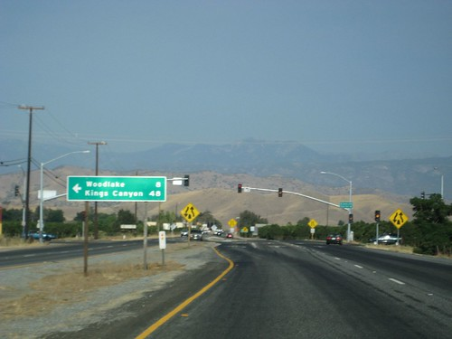 california trip mountains tour east valley views farms roadsigns asphalt stoplights woodlake sanjoaquin excursion centralvalley paved sightsee dividedroad highway198