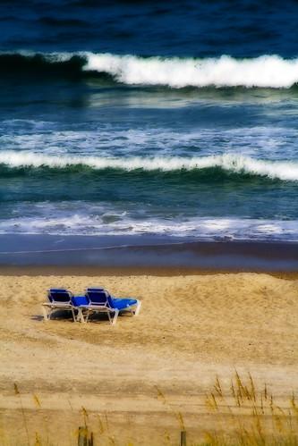 ocean beach nc sand waves northcarolina orton wrightsville eastcoast emptychairs waitingforsomeone canon400d
