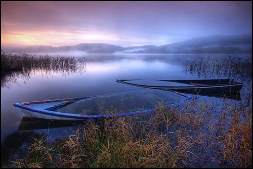 boats dawn loch sunken ard daybreak kinlochard