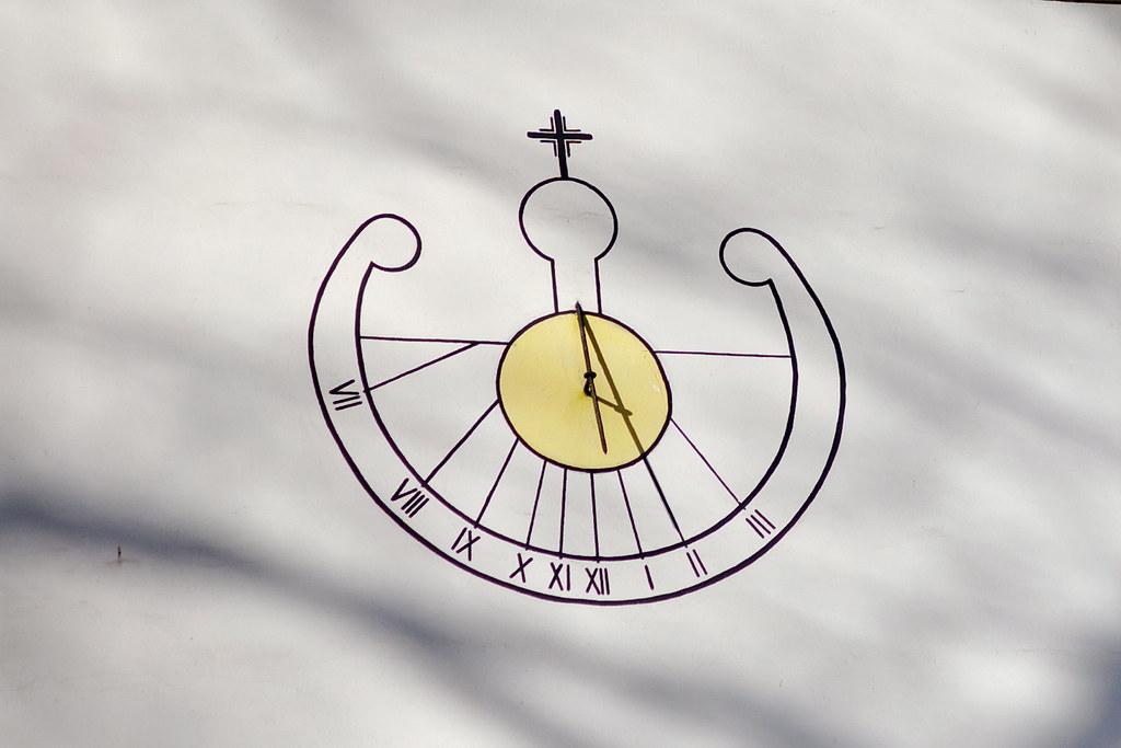 Punktualnie druga / Two o'clock sharp