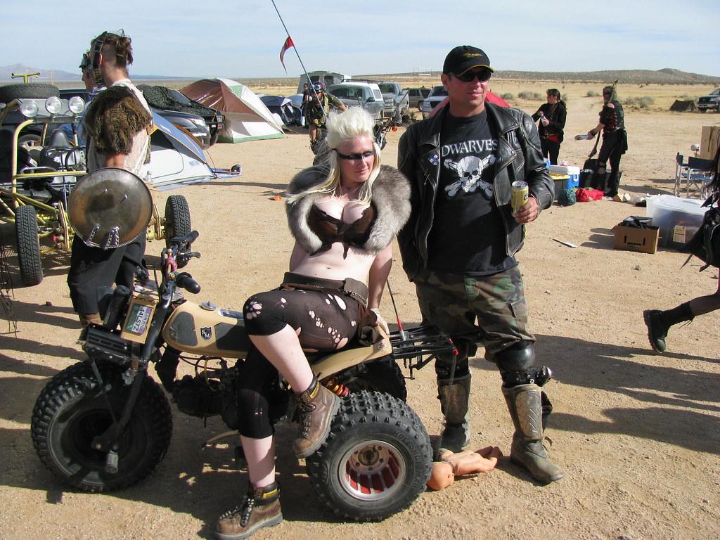 0b834b9ca3294 ... Mad Max Pin-up girl