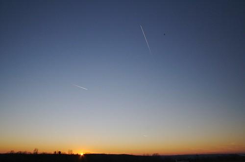 sunset ny flying unitedstates elmira soaring contrails harrishill