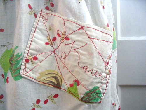 vintage apron - mom's pocket | by colorkitten